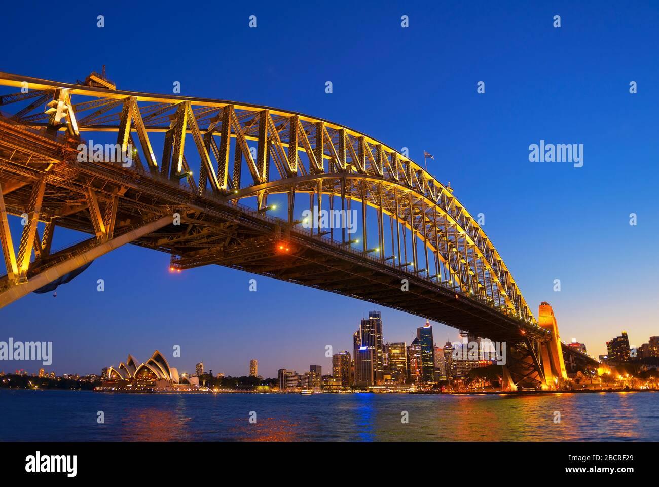 Sydney Harbour Bridge et skyline, Sydney, Nouvelle-Galles du Sud, Australie, Banque D'Images