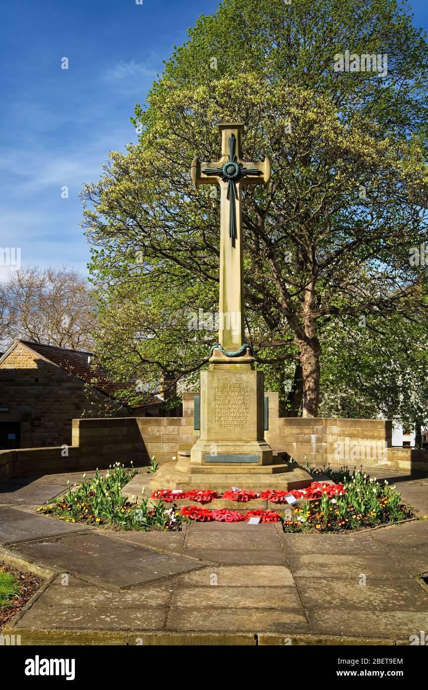 Royaume-Uni, Yorkshire du Sud, Rotherham, WATH on Dearne, Mémorial de guerre de l'Église des Saints Banque D'Images