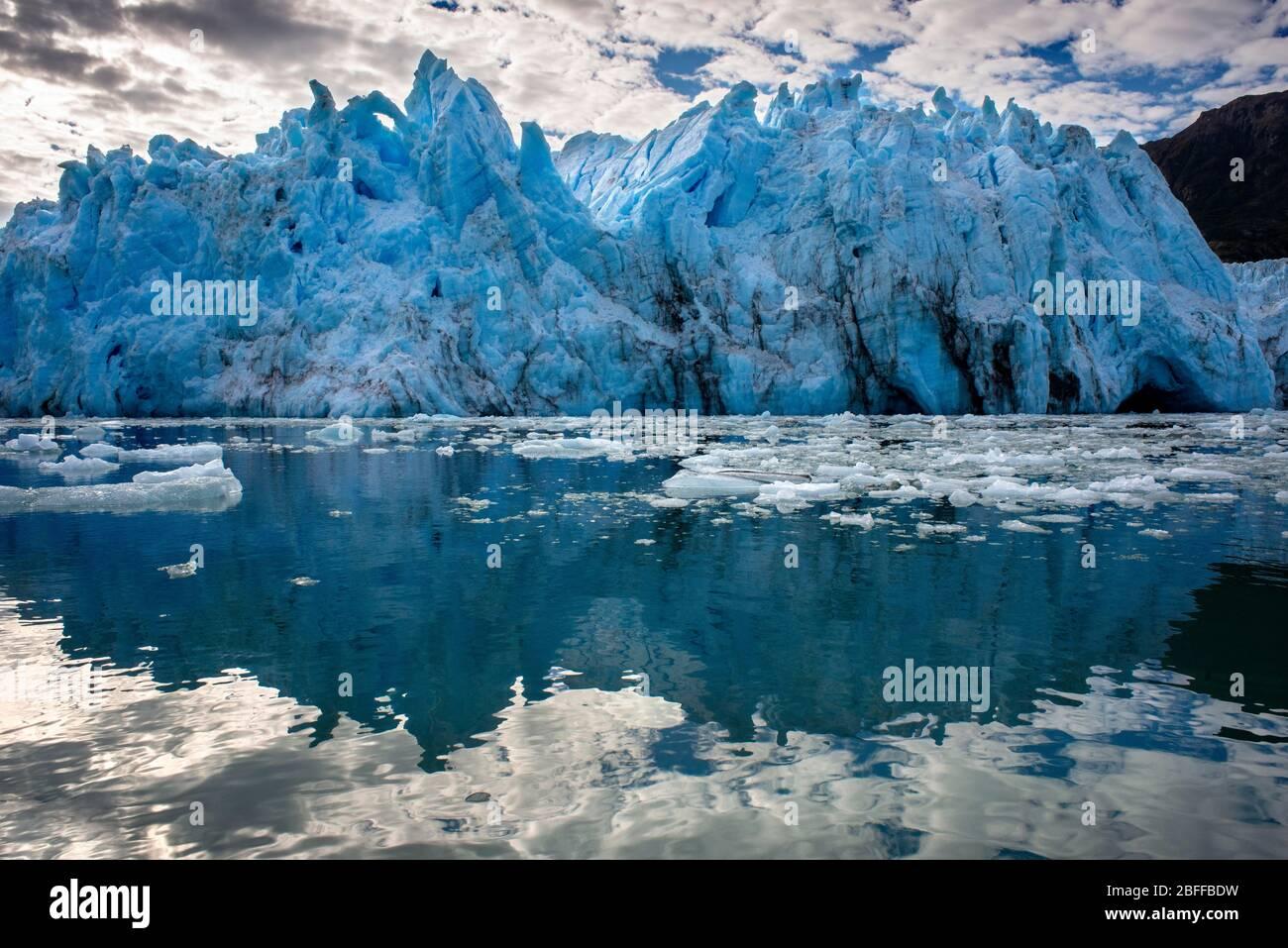 Glacier Amalia sur le bord du canal Sarmiento - glacier de Skua - Parc national Bernardo O'Higgins à Patagonia Chile fjords près de Puerto Natales, C Banque D'Images