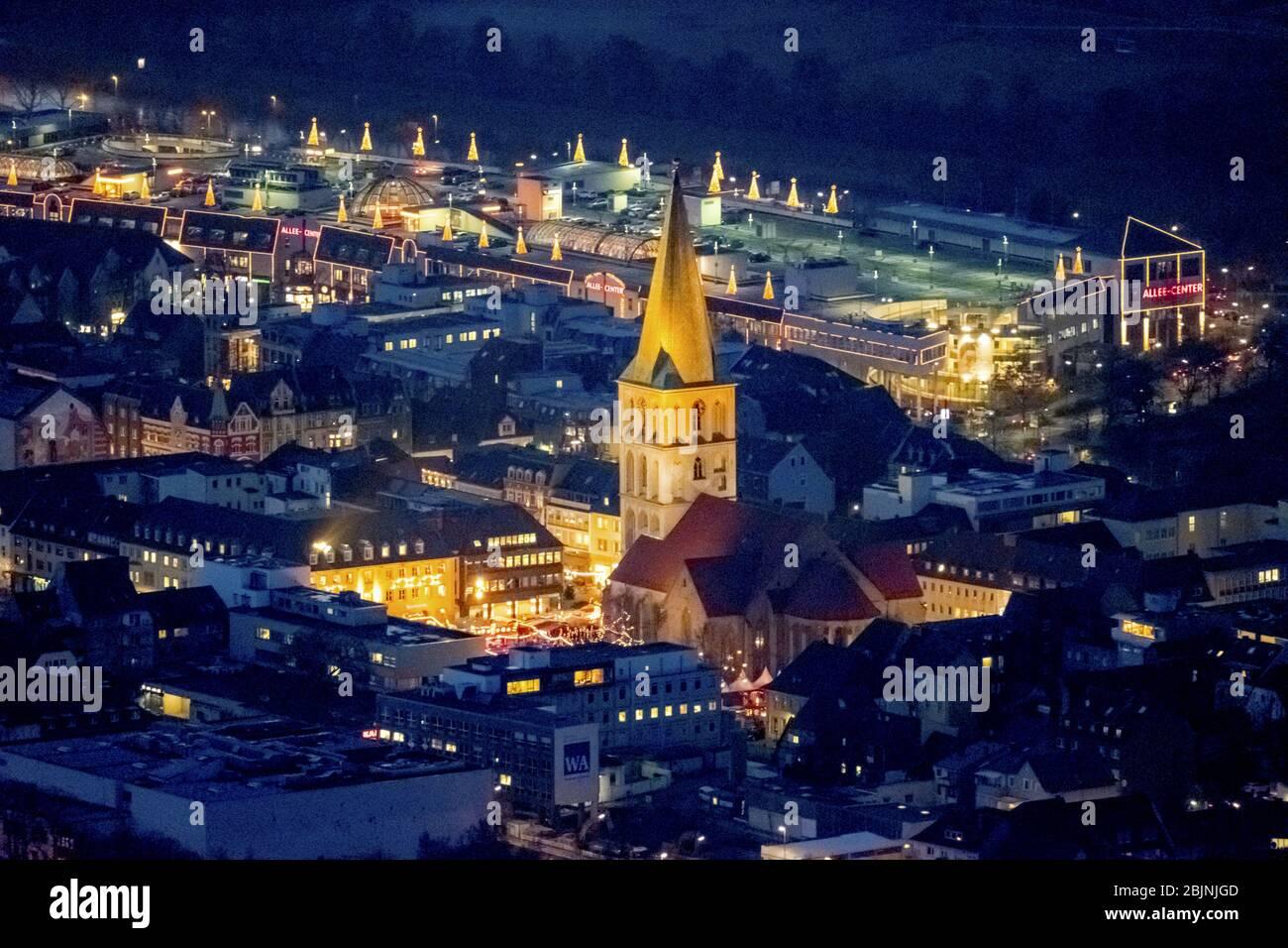 , marché de noël sur la place Marktplatz à l'église Pauluskirche à Hamm la nuit, 23.11.2016, vue aérienne, Allemagne, Rhénanie-du-Nord-Westphalie, région de la Ruhr, Hamm Banque D'Images