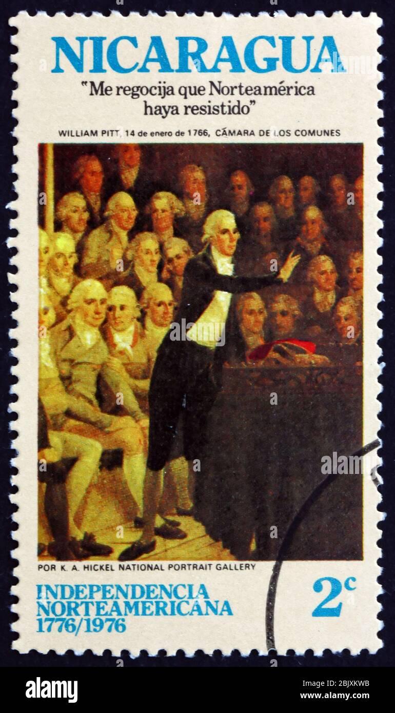 NICARAGUA - VERS 1975: Un timbre imprimé au Nicaragua montre Pit s'adressant au Parlement, peinture de K. A. Hickel, Bicentenaire américain, vers 1975 Banque D'Images