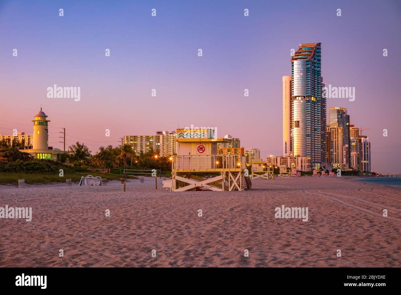 Plage des îles ensoleillées. Sunny Isles Beach, Floride, États-Unis. Banque D'Images