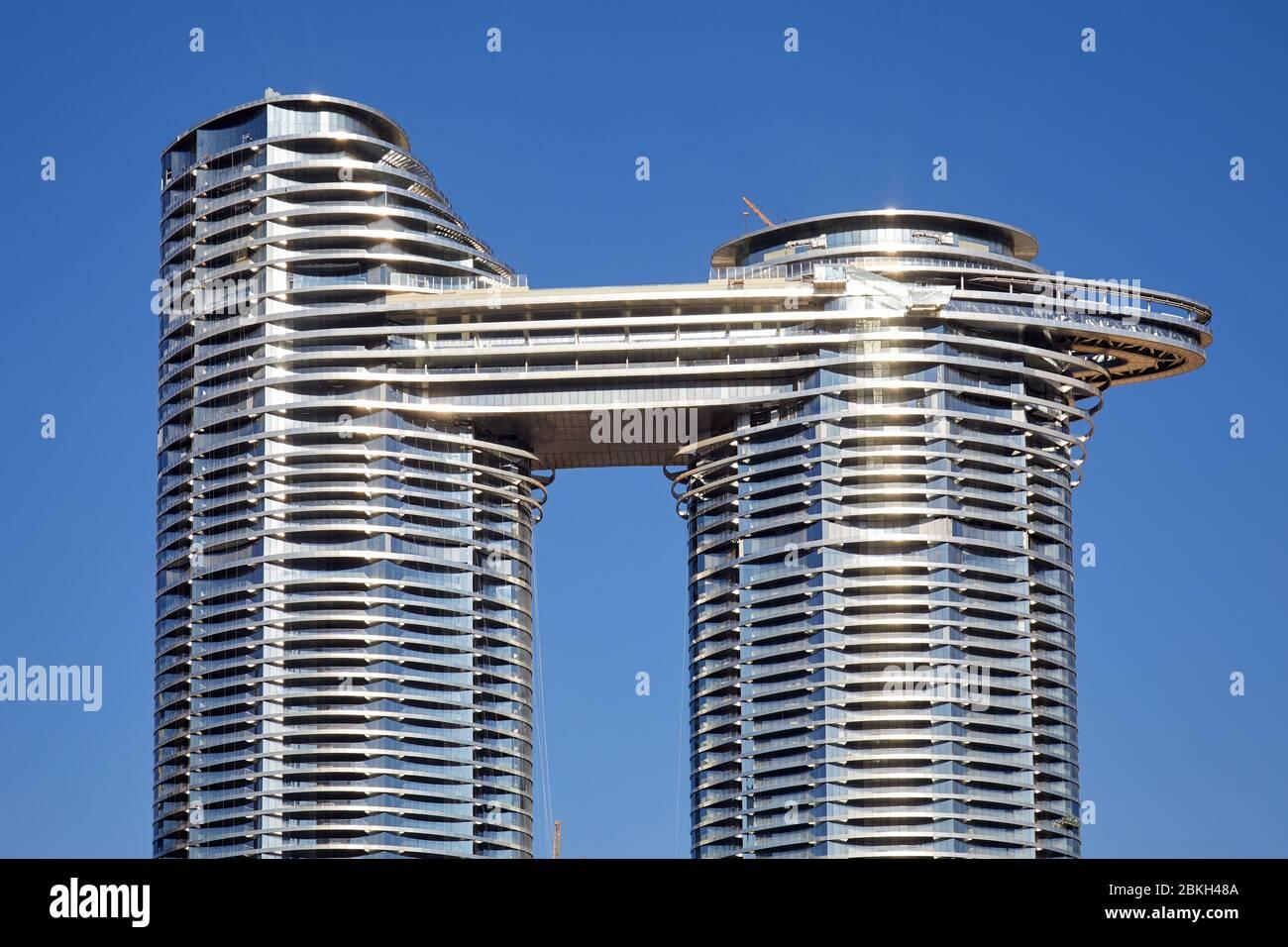 DUBAI, EMIRATS ARABES UNIS - 22 NOVEMBRE 2019: Adresse Sky View hôtel de luxe dans une journée ensoleillée, ciel bleu clair à Dubaï Banque D'Images