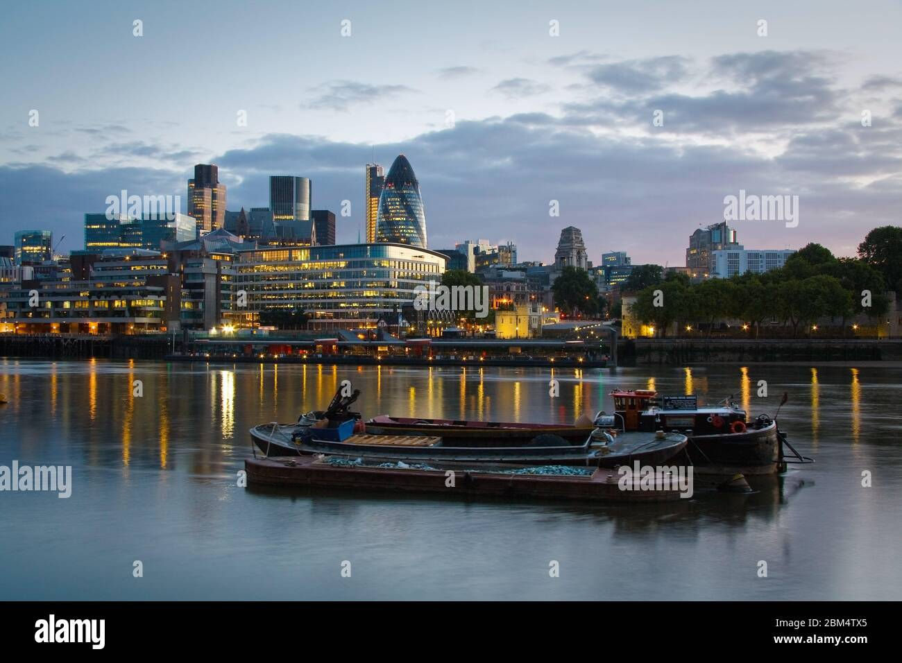 Bateaux et quartier de Liverpool Street à Londres. Banque D'Images