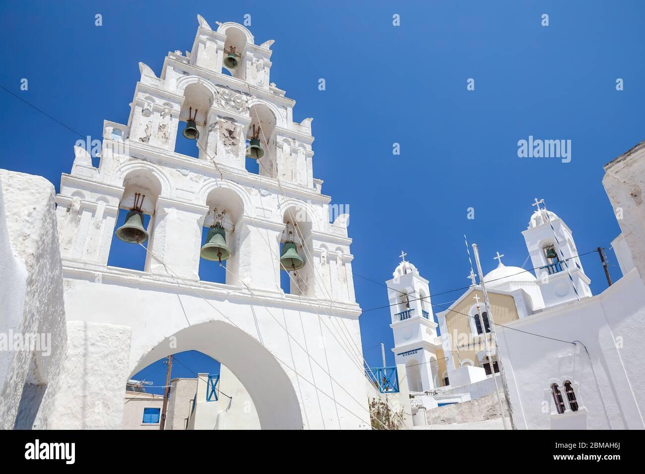 eglise et clocher de Santorin, Grèce, Cyclades, Santorin Banque D'Images