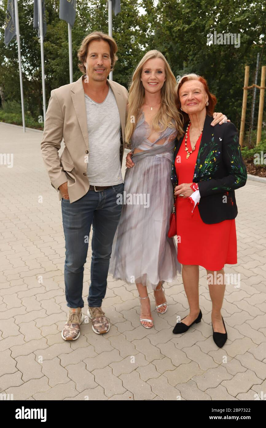 Hakim-Michael Meziani,Kim-Sarah Brandts,Brigitte Antonius,3000 Episodes Red Roses,Castanea Forum,Lüneburg,10.08.2019 Banque D'Images