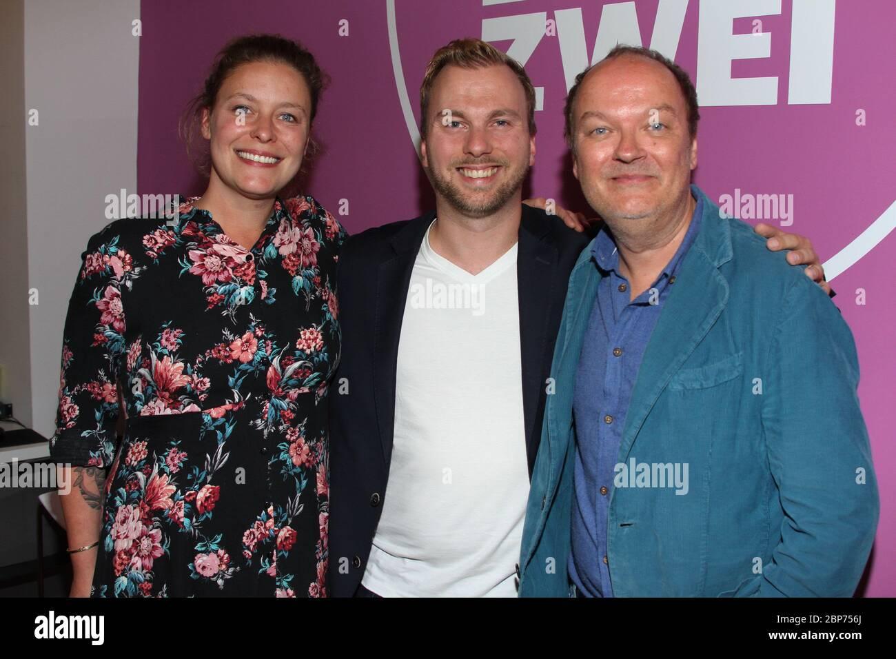 Cathy Weder, Jens Wawrzeck, Fabian Kuehne, Fototermin im Hamburg Zwei 80er Cafe à Ottensen, Hambourg, 15.08.2019 Banque D'Images