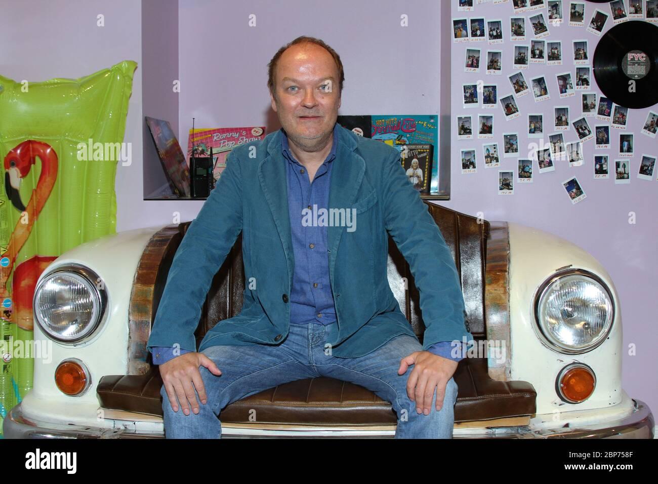 Jens Wawrzeck, Fototermin im Hamburg Zwei 80er Cafe à Ottensen, Hambourg, 15.08.2019 Banque D'Images