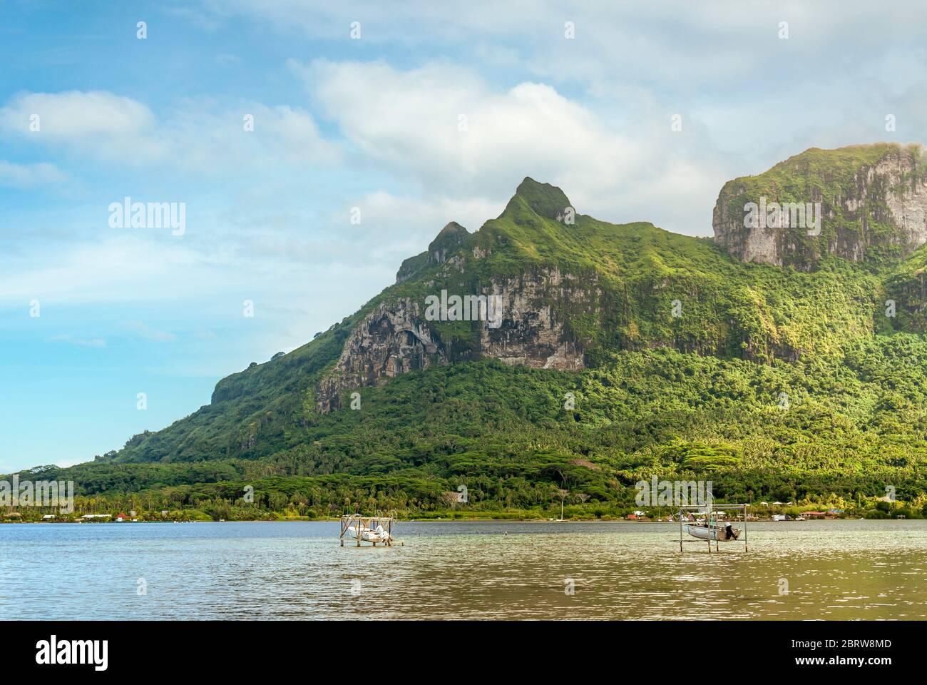 Baie de Faanui avec Mont Otemanu en arrière-plan, Bora Bora, Polynésie française Banque D'Images