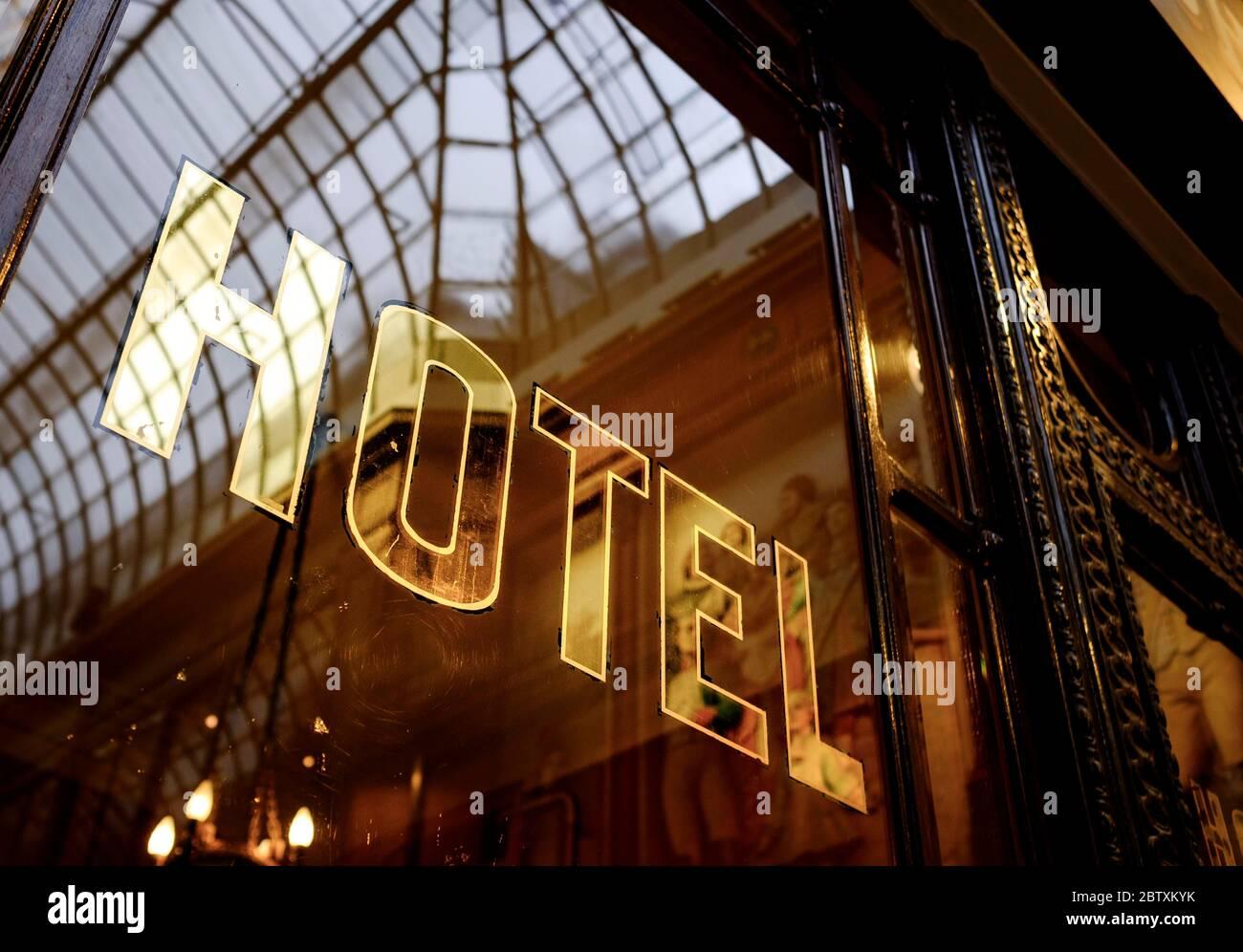 Hôtel Golden lettering, Paris, France Banque D'Images