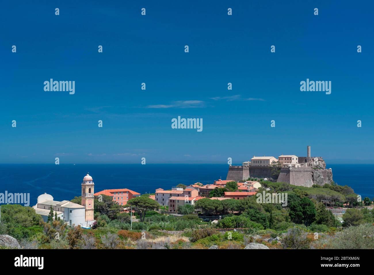 Village de Capraia, île de Capraia, Parc national de l'Archipel Toscan, Livourne, Toscane, Italie Banque D'Images