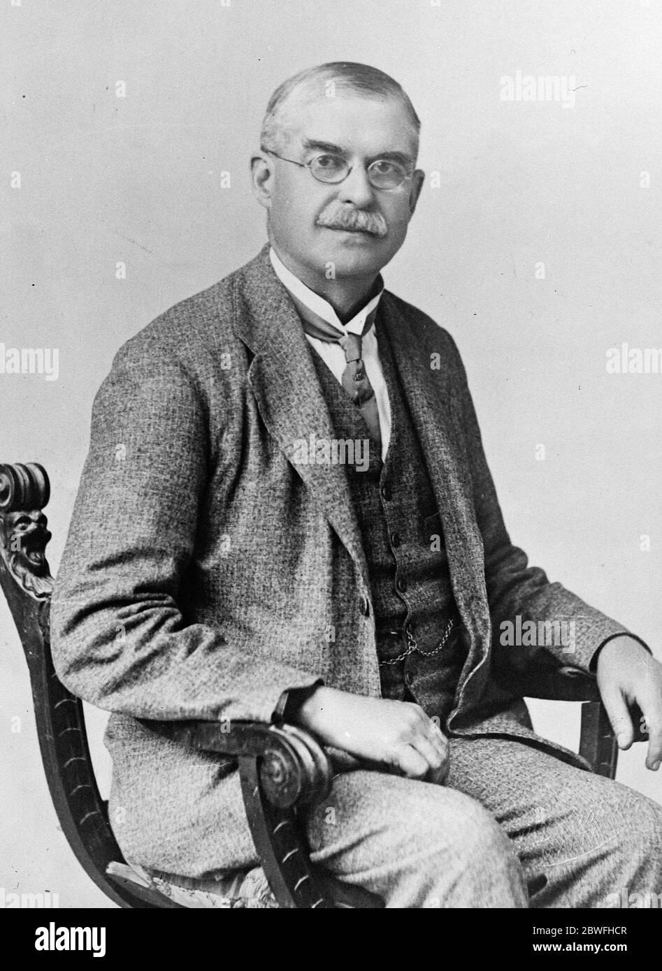 Élections à Malte . Sir Gerald Strickland , dirigeant des Constitutionalistes à l'élection de Malte , qui a été principalement combattu sur la question de langue , avec pour résultat qu'aucun parti n'a gagné la majorité . 14 juin 1924 Banque D'Images