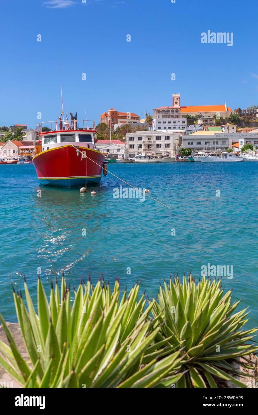 Vue sur la Carnarge de St George, Grenade, les îles du vent, les Antilles, les Caraïbes, l'Amérique centrale Banque D'Images