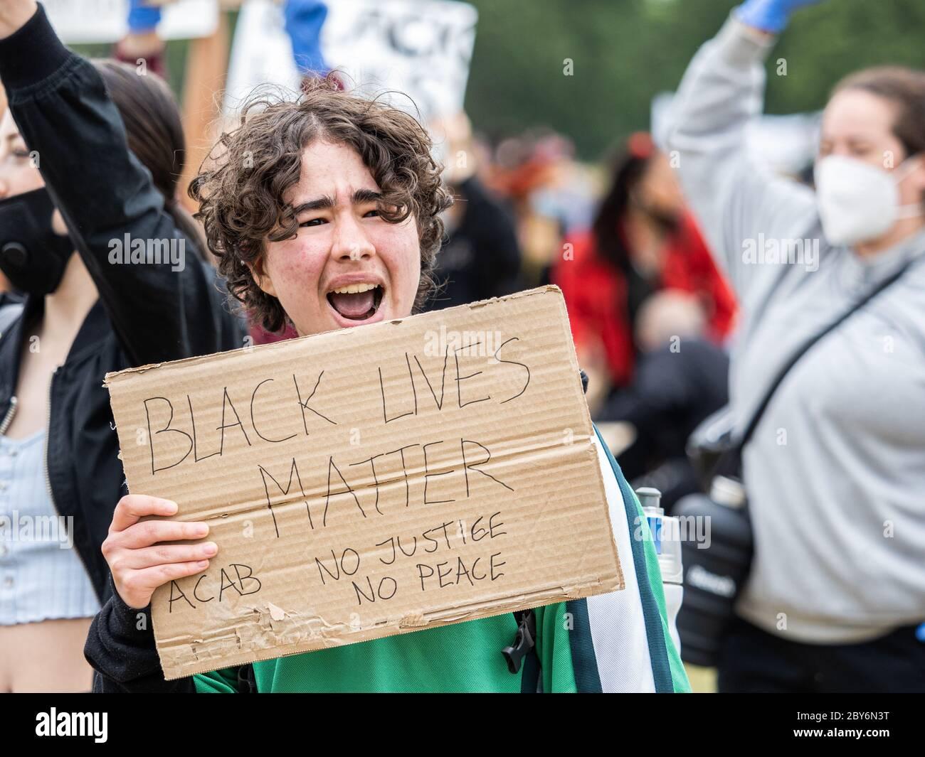 Londres, Royaume-Uni, 3 juin 2020 - des manifestants Black Lives Matter ont défilé de Hyde Park au Parlement après la mort en détention de George Floyd. Banque D'Images