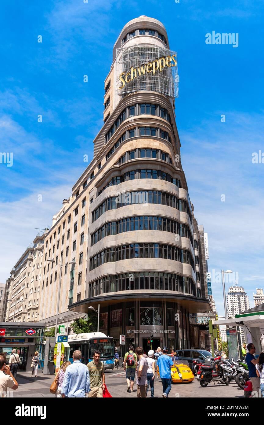 Schweppes s'appuyant sur Gran Via, Madrid, Espagne Banque D'Images