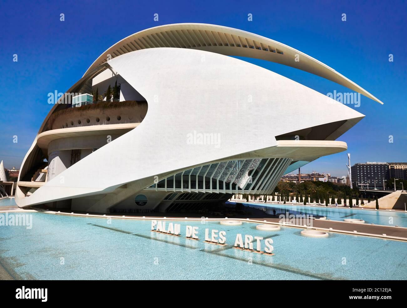 Futuriste El Palau de les Arts Reina Sofia, opéra et centre culturel, Valence, Espagne. Banque D'Images