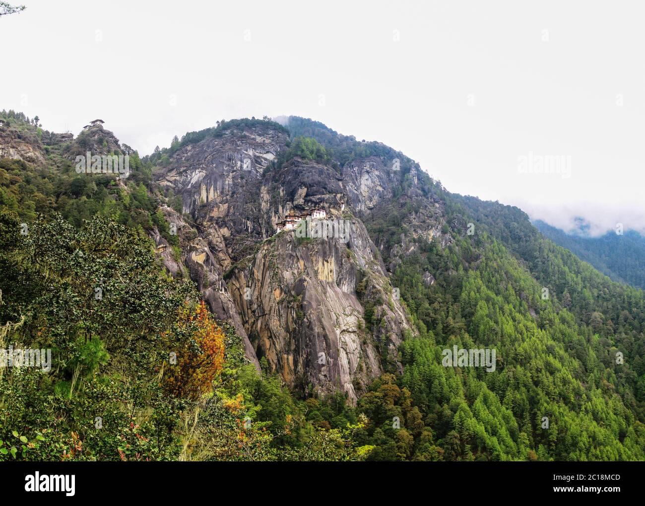 Panorama de la vallée de Paro et du monastère de Taktsang, Bhoutan Banque D'Images