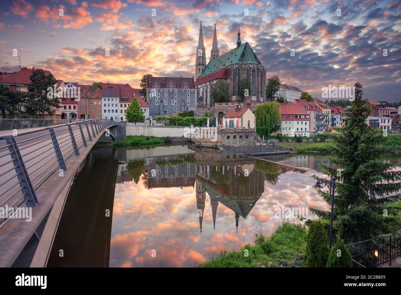 Gorlitz, Allemagne. Image de paysage urbain du centre-ville historique de Gorlitz, Allemagne, au coucher du soleil spectaculaire. Banque D'Images