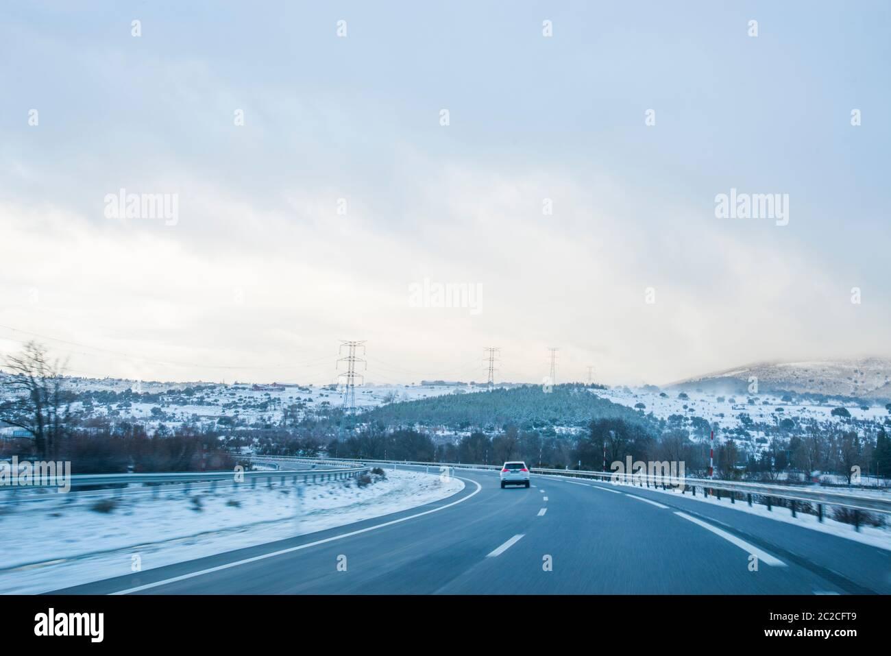 Route couverte de neige. Banque D'Images