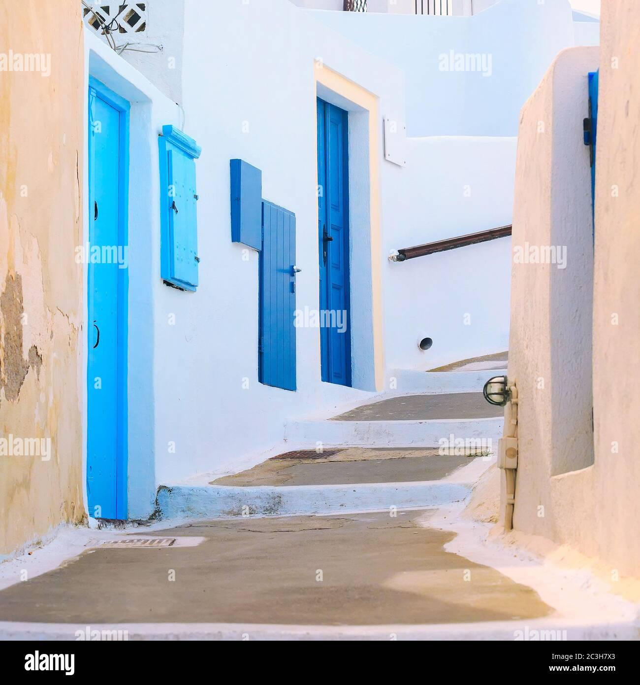 Maison grecque blanche et bleue, Grèce, Cyclades Banque D'Images