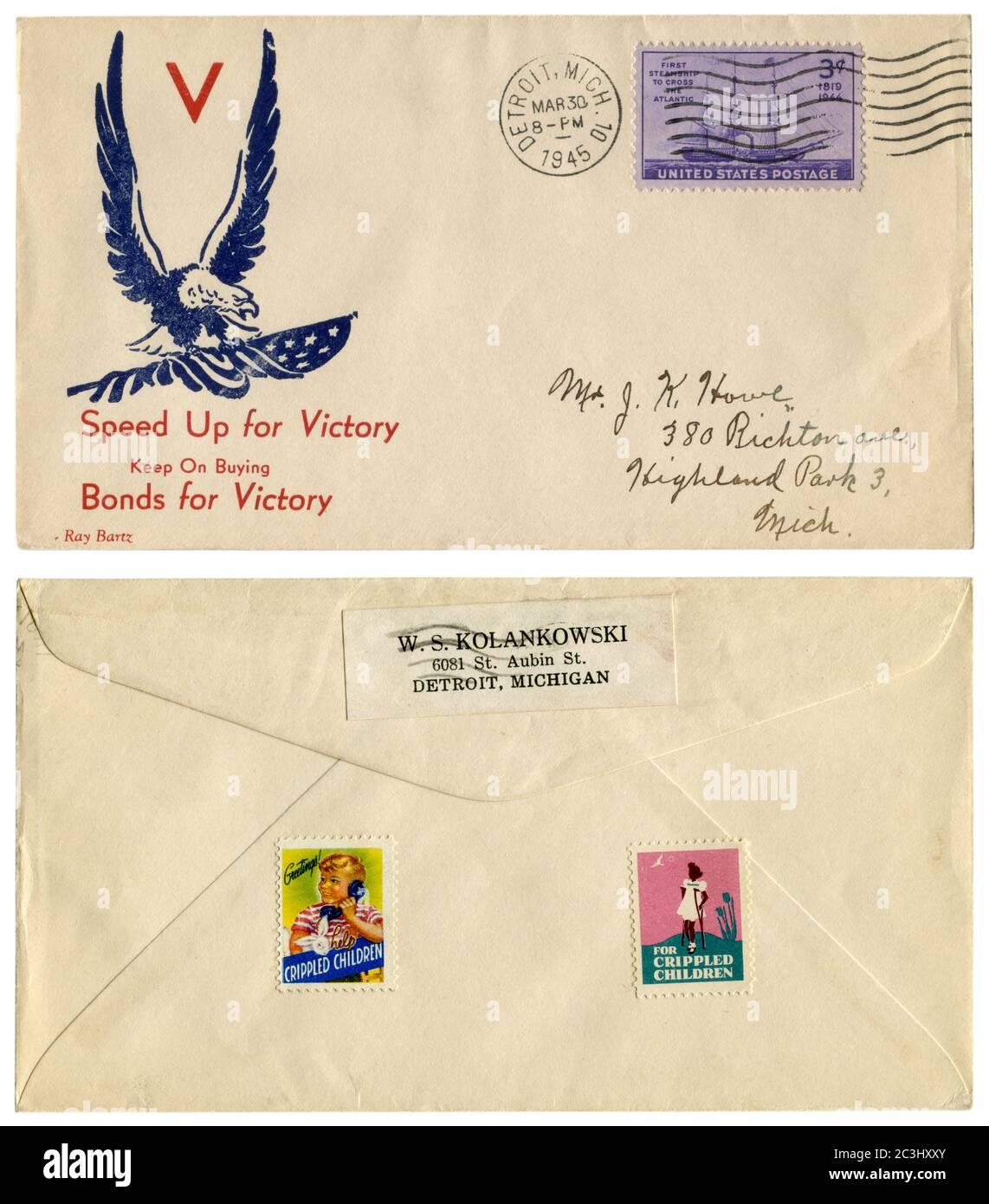 Detroit, Michigan, États-Unis, 30 mars 1945: ENVELOPPE HISTORIQUE DES ÉTATS-UNIS: Couverture avec un cachet patriotique accélérer la victoire, continuer à acheter des obligations. Inverser. Banque D'Images