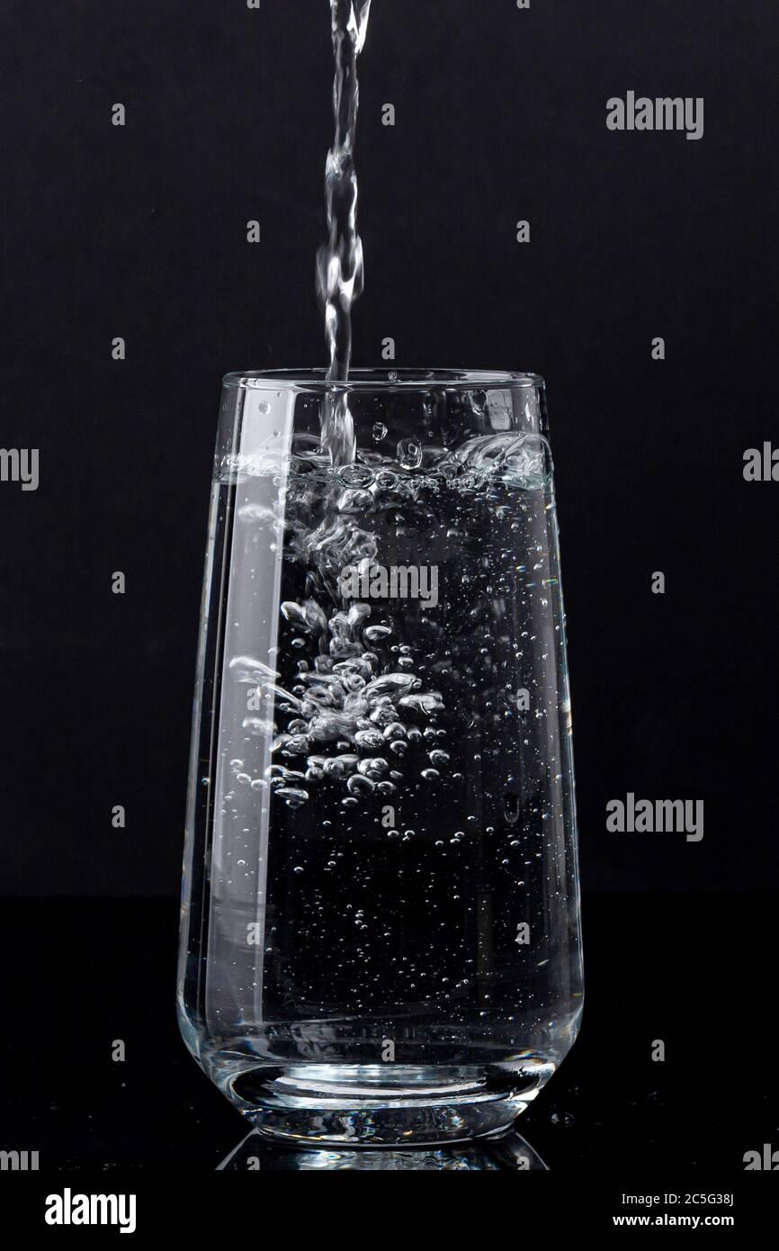 Concept d'eau douce et propre, verre d'eau isolé 032 Banque D'Images