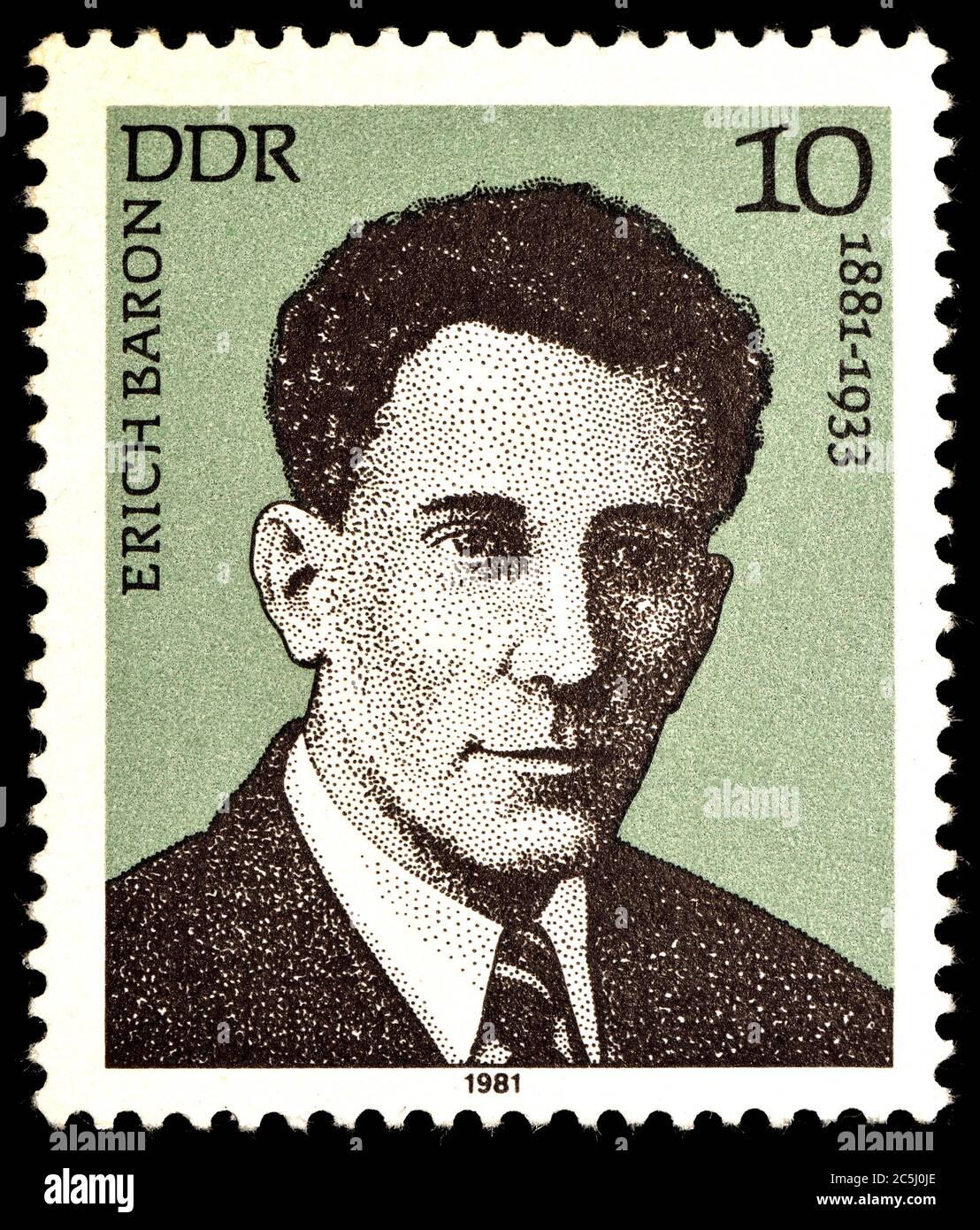 Timbre-poste allemand (1981) : Erich Baron (1881 - 1933 ) avocat, journaliste et antifasciste allemand Banque D'Images