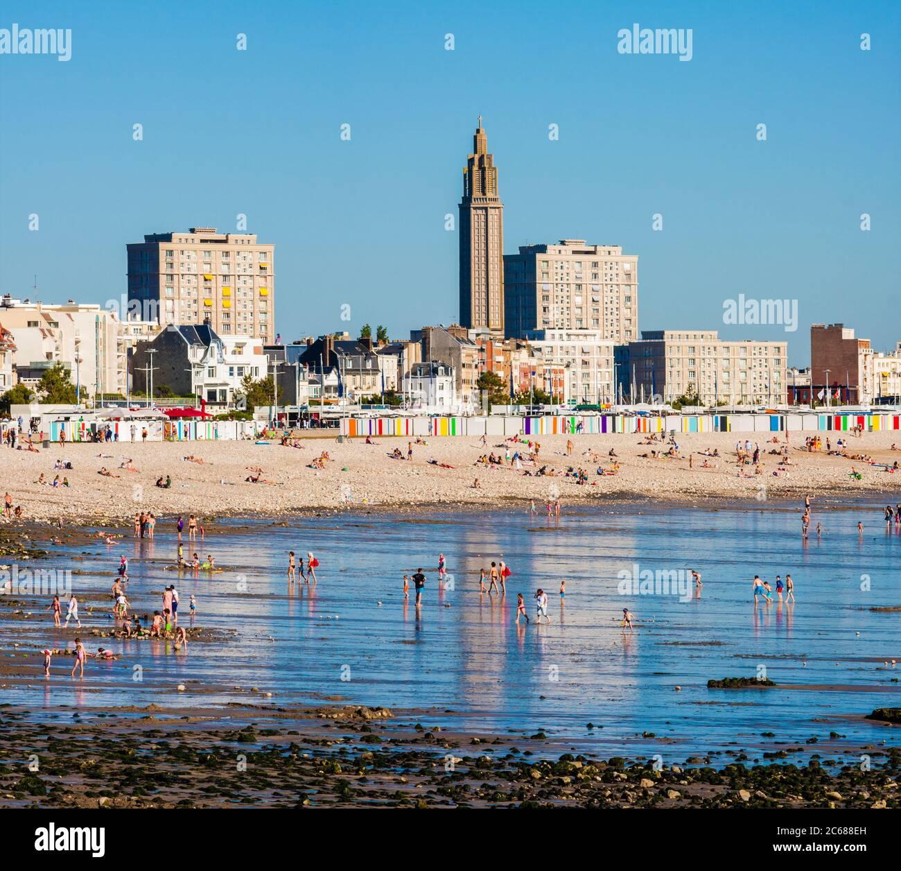 Marée basse à la plage du Havre, Normandie, France Banque D'Images