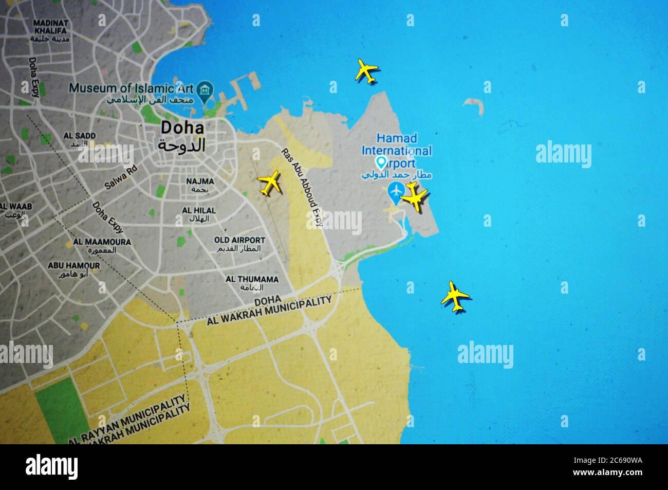 Carte du trafic aérien sur l'aéroport international de Hamad, Doha (07 juillet 2020, UTC 08.01), sur le site Internet de Flightracar 24 par Svenska Resenätverket AB Banque D'Images