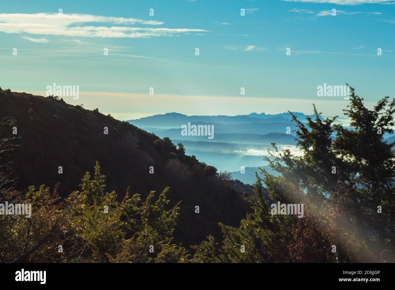 Le parc naturel de Montseny se trouve dans la chaîne de montagnes catalane pré-côtière. Elle s'étend sur 31,063.94 hectares et se trouve à 50 km de Barcelone et à 25 km de la ville Banque D'Images