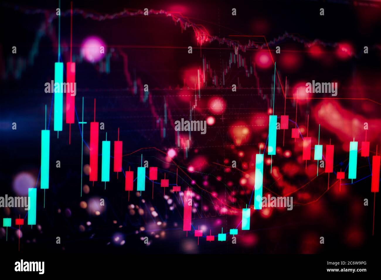 Concept de marché boursier et de fintech. Cartes numériques bleues floues sur fond bleu foncé. Interface financière futuriste. Banque D'Images