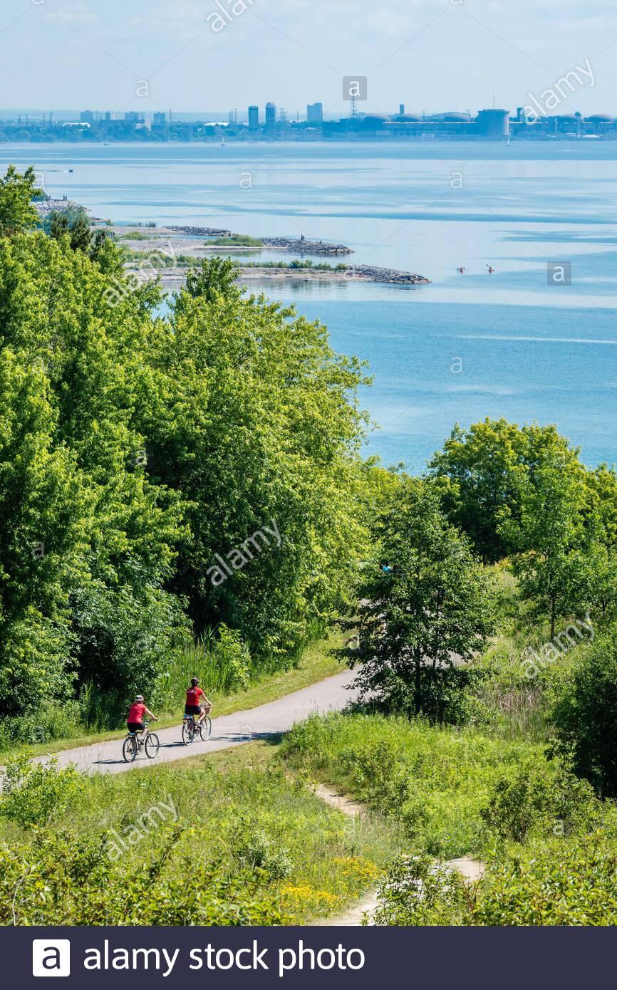 La Waterfront Trail long KL 1400. Cette partie un chemin dédié sur la rive nord du lac Ontario à Toronto Ontario Canada Banque D'Images