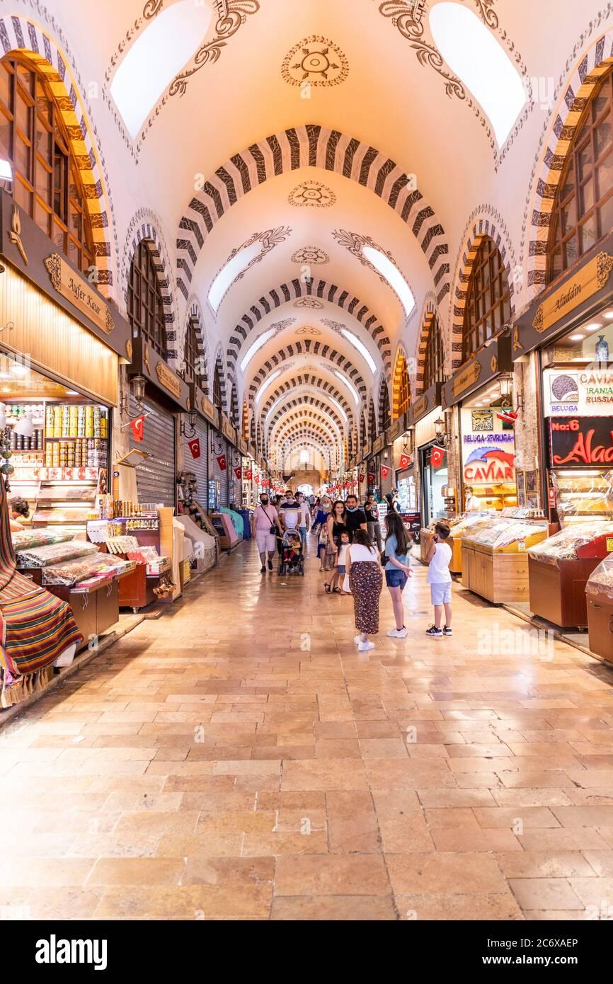 Le Grand Bazar d'Istanbul est le marché couvert oriental le plus célèbre au monde. Istanbul, Turquie, le 12 juillet 2020 Banque D'Images