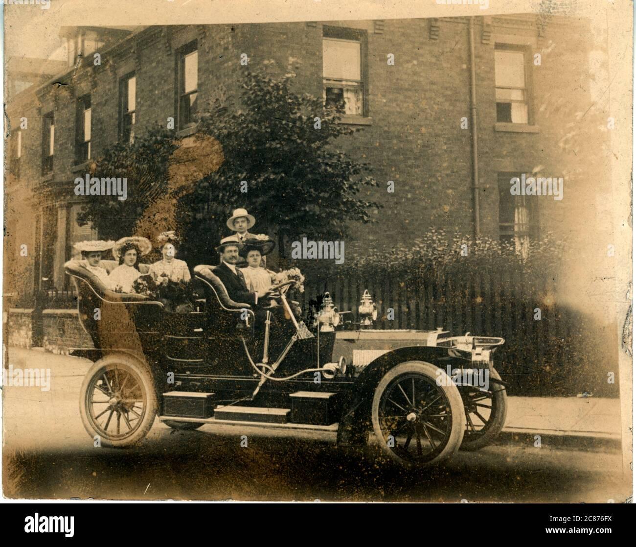 Voiture d'époque, peut-être Keighley, peut-être un Brown, Angleterre. 1905 Banque D'Images