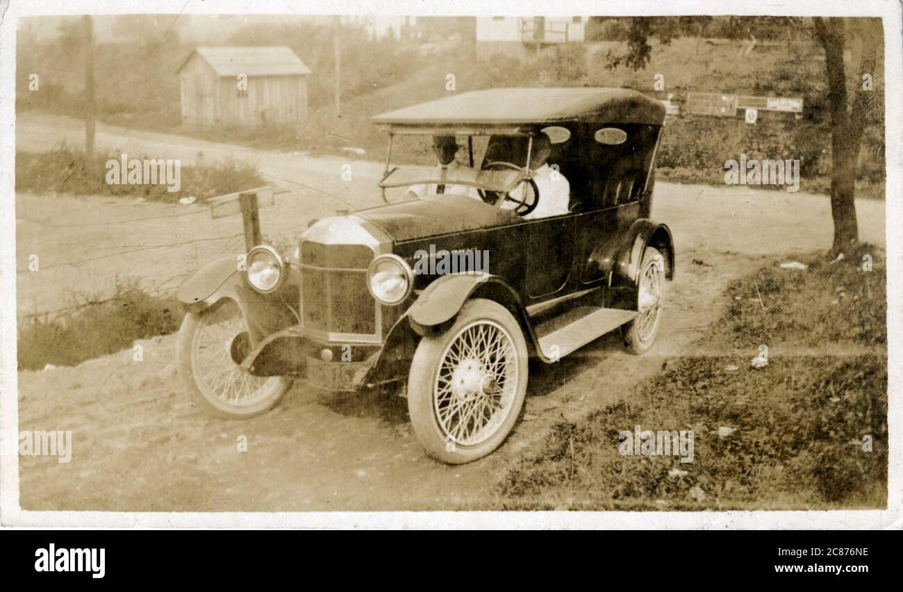 Voiture d'époque (en attente d'identification). années 1920 Banque D'Images