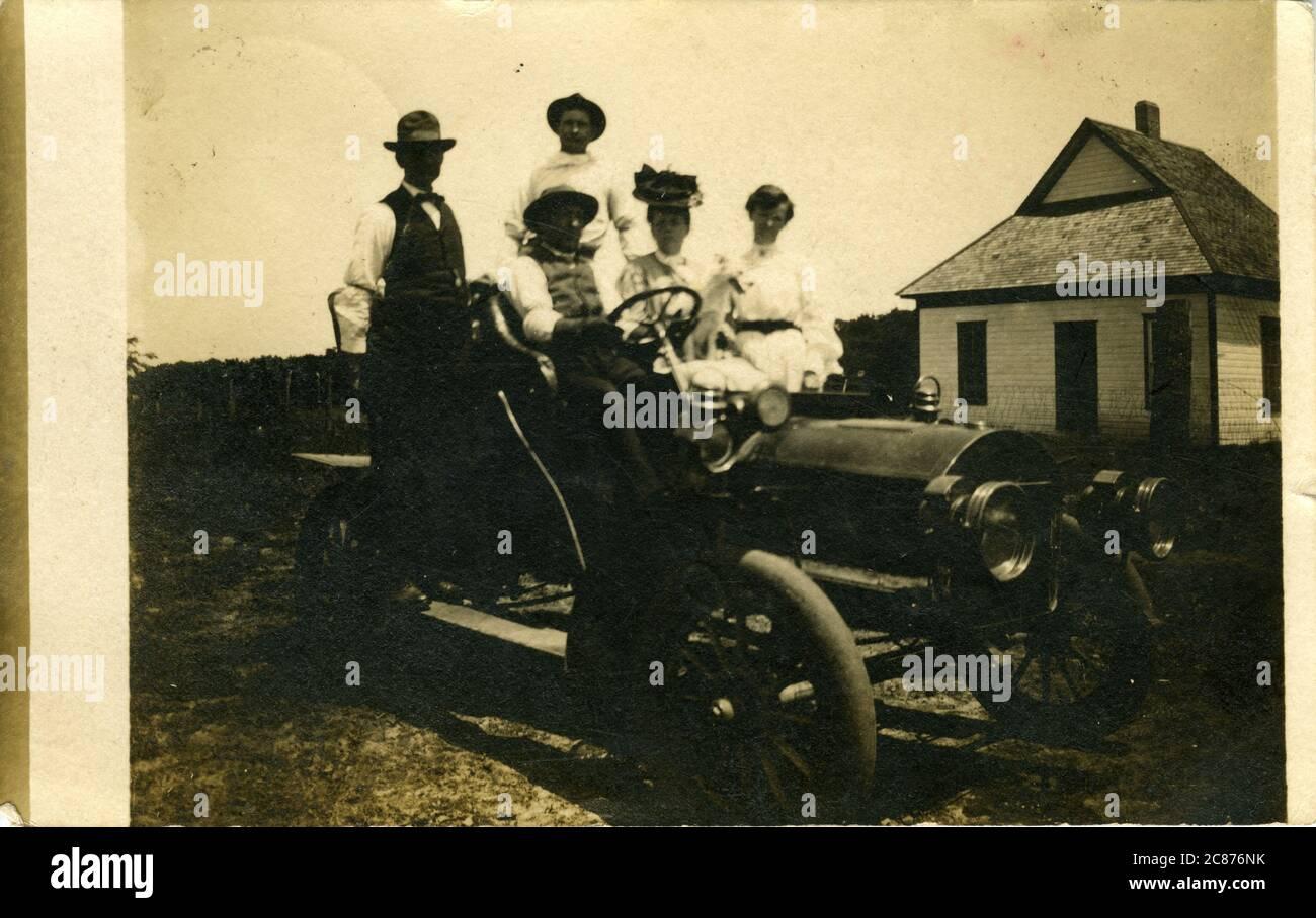Voiture d'époque (en attente d'identification), probablement Chehalis, Washington, États-Unis. 1907 Banque D'Images