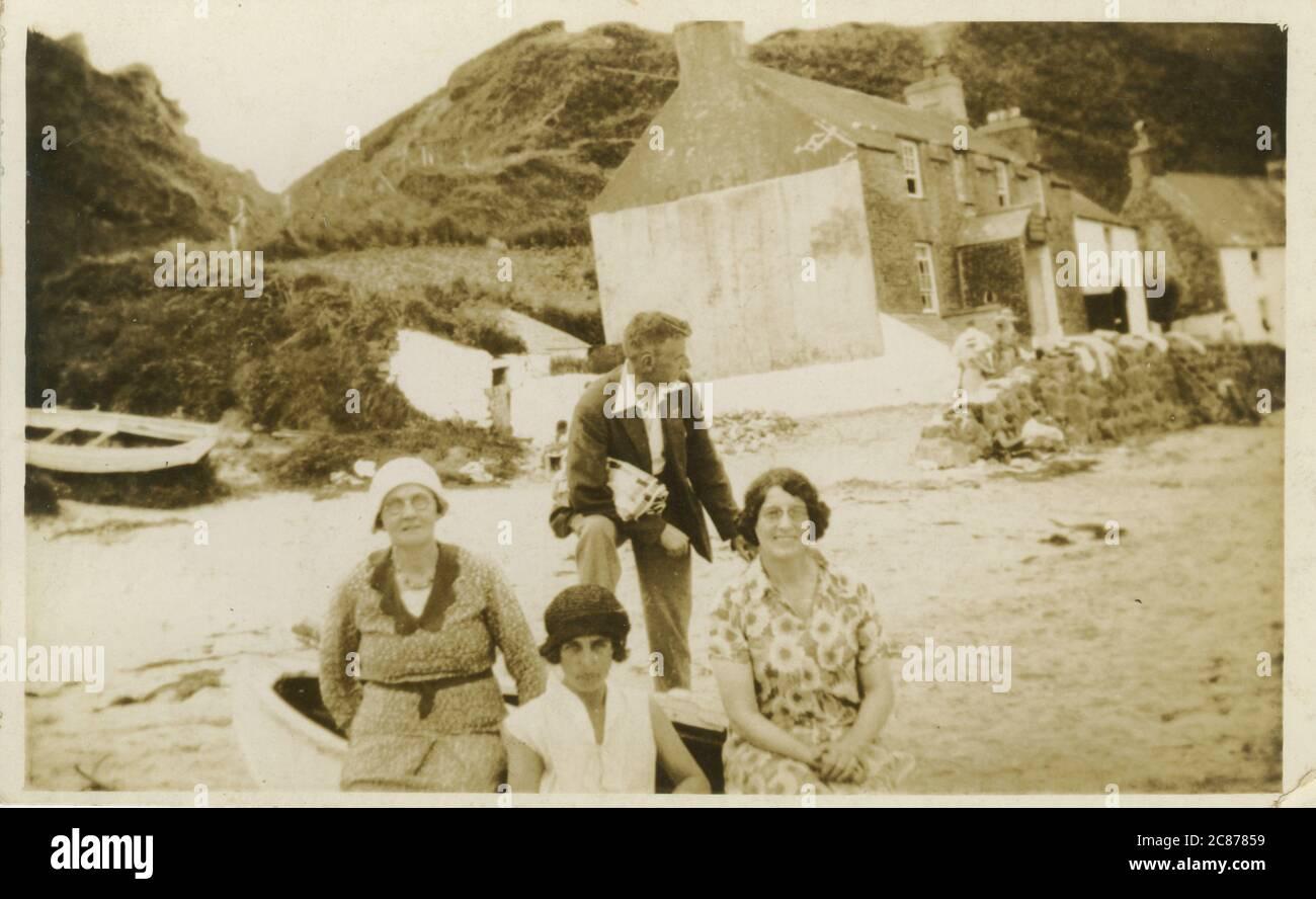 Ty Coch Inn, Porthdinllaen, Morfa Nefyn, Pwllheli, Llyn Peninsula, Gwynedd, pays de Galles. Date: 1920 Banque D'Images