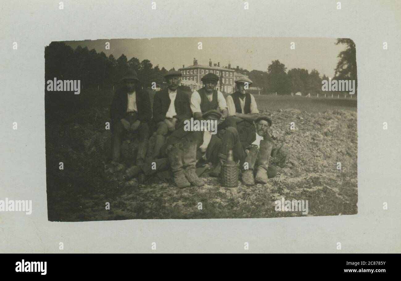 Les travailleurs de la succession, pensé pour être une maison majestueuse de Norfolk, Angleterre. Date : 1900s Banque D'Images