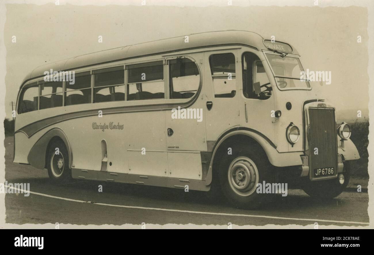 Leyland Coach (géré par Clarington Coaches), Hindley, Wigan, Greater Manchester, Lancashire, Angleterre. Date: Années 1930 Banque D'Images