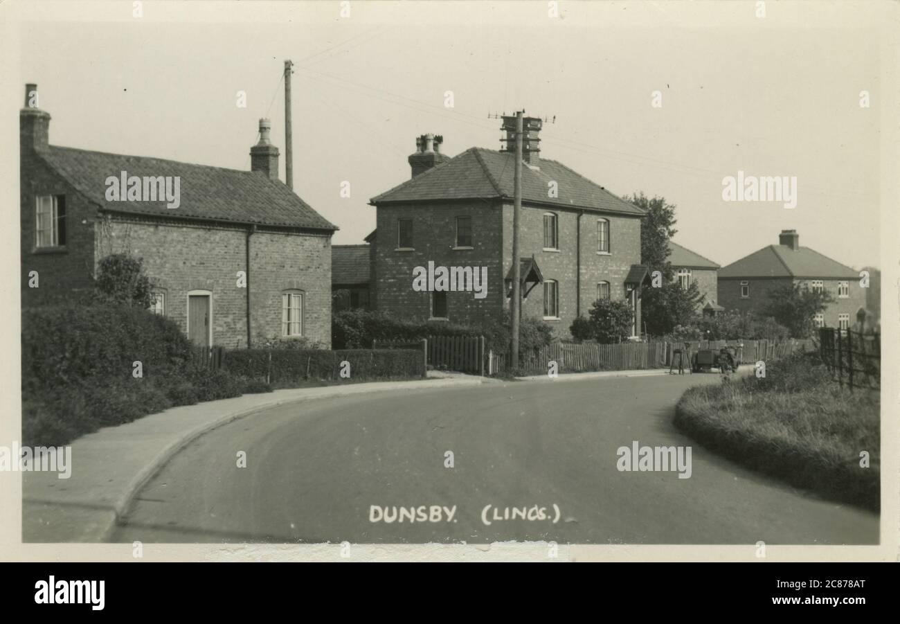 Main Road, Dunsby, Bourne, South Kesteven , Lincolnshire, Angleterre. Date: Années 1930 Banque D'Images