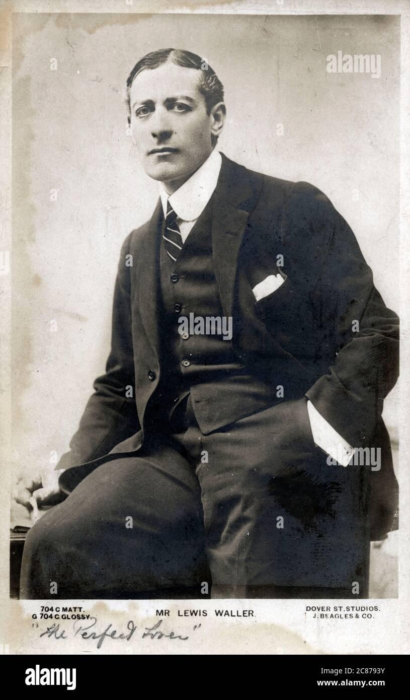 Lewis Waller (1860-1915) - acteur et responsable de théâtre - représenté ici dans « The Perfect Lover ». Date: Vers 1910 Banque D'Images