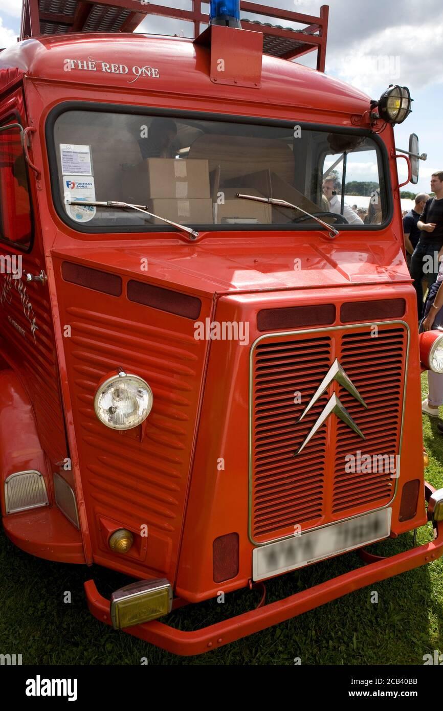 Classic Citroën H van au Chili Fiesta, West Dean, West Sussex, Angleterre, Royaume-Uni Banque D'Images