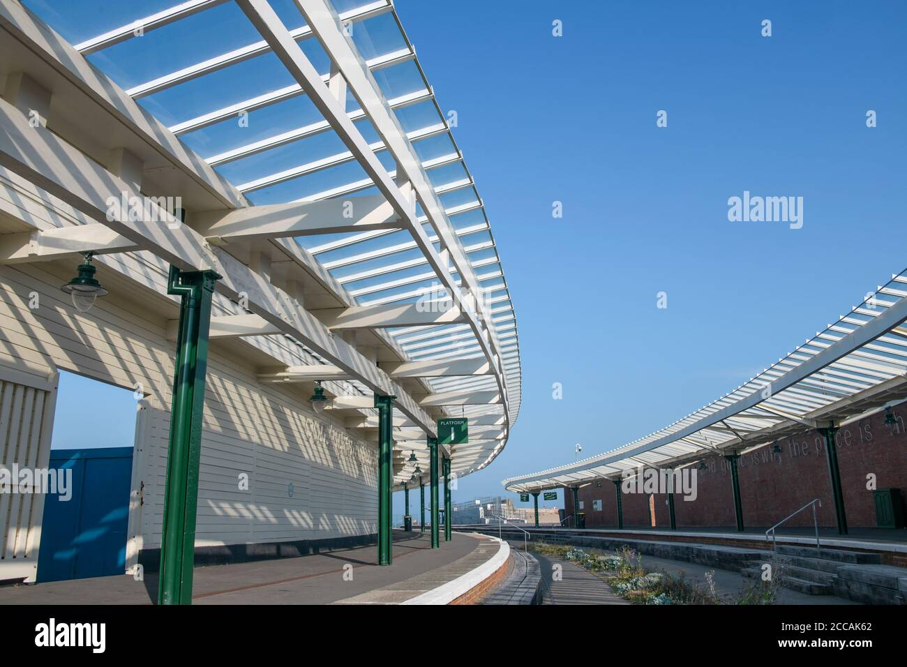 Disused Orient Express station Folkestone Harbour Rail Station Kent England Banque D'Images