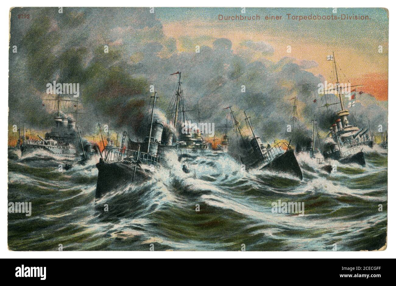 Carte postale historique allemande : percée d'une division de bateaux de torpille. Une flottille dans une mer agitée. Marine impériale allemande (kaisermarine), 1908 Banque D'Images