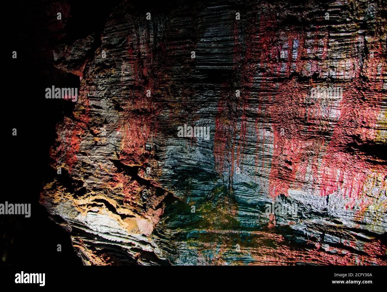 La grotte du tunnel de Lava, immense tube de lave dans le sud de l'islande Banque D'Images