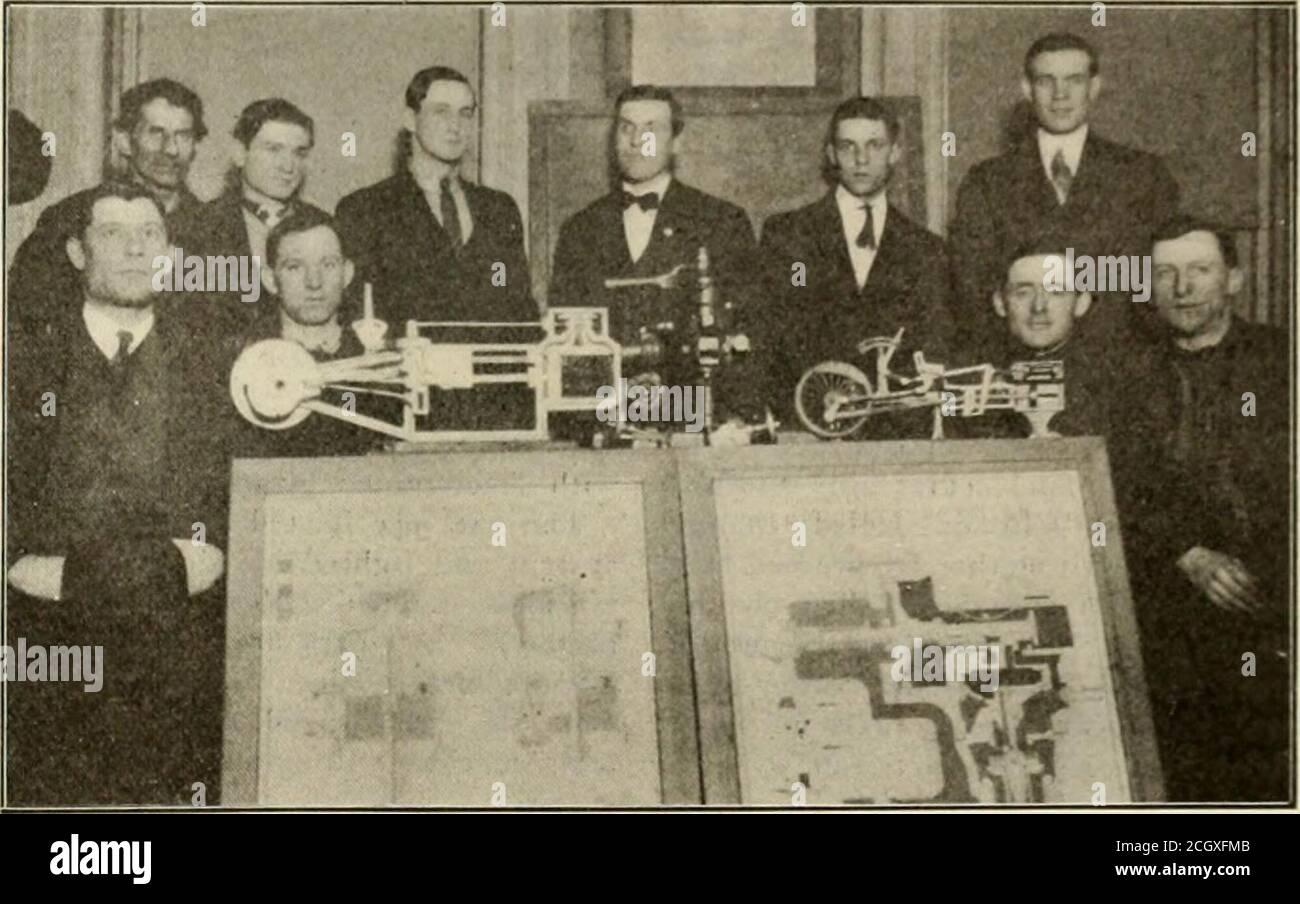. Le génie ferroviaire et de locomotive : une revue pratique de la force motrice ferroviaire et du matériel roulant . d Y. M. C. A. Hoboken, N. J.[HE Lackawanna Railroad V M. C. A., Hoboken, N. J., A ajouté grand I à ses membres pendant la saison hivernale la présence aux classes de liinminlive running et de frein à air deparmentha-, a été verj grand, et le travail de l'instructeur, M. A. (. SECOR, a été très apprécié. M. John G. n.itur. ; cependant, en outre, l'ashut papi r a été donné par le président, Prol G I de Muralt, sur Modi rnTendencies dans l'électrification ferroviaire. PROL di -in d les hommes de développement Banque D'Images