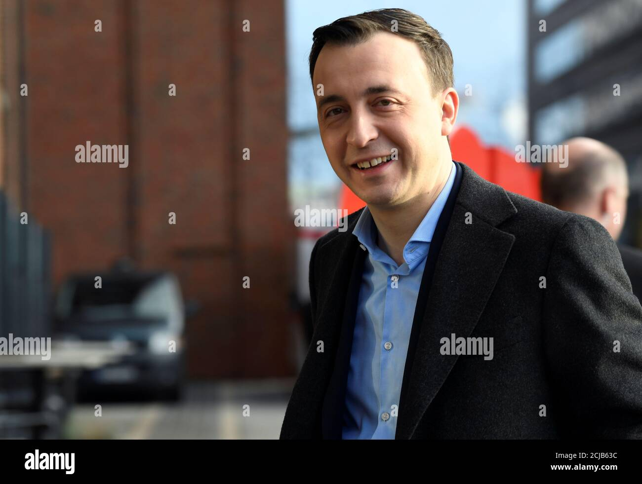 Le secrétaire général de l'Union chrétienne-démocrate allemande, Paul Ziemiak, arrive pour assister à une réunion du conseil d'administration de la CDU à Hambourg, en Allemagne, le 18 janvier 2020. REUTERS/Fabian Bimmer Banque D'Images