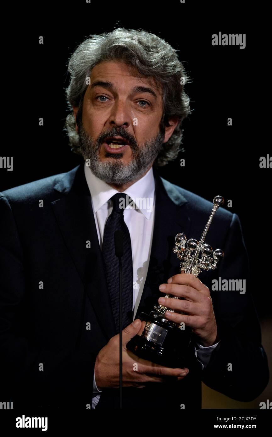 L'acteur argentin Ricardo Darin détient le prix Donostia Lifetime Achievement Award au Festival du film de San Sebastian, Espagne, le 26 septembre 2017. REUTERS/Vincent West Banque D'Images