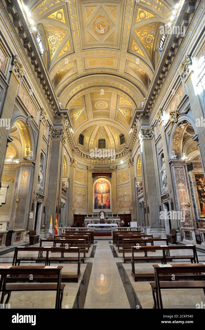 italie, rome, église de santa maria à monserrato intérieur Banque D'Images