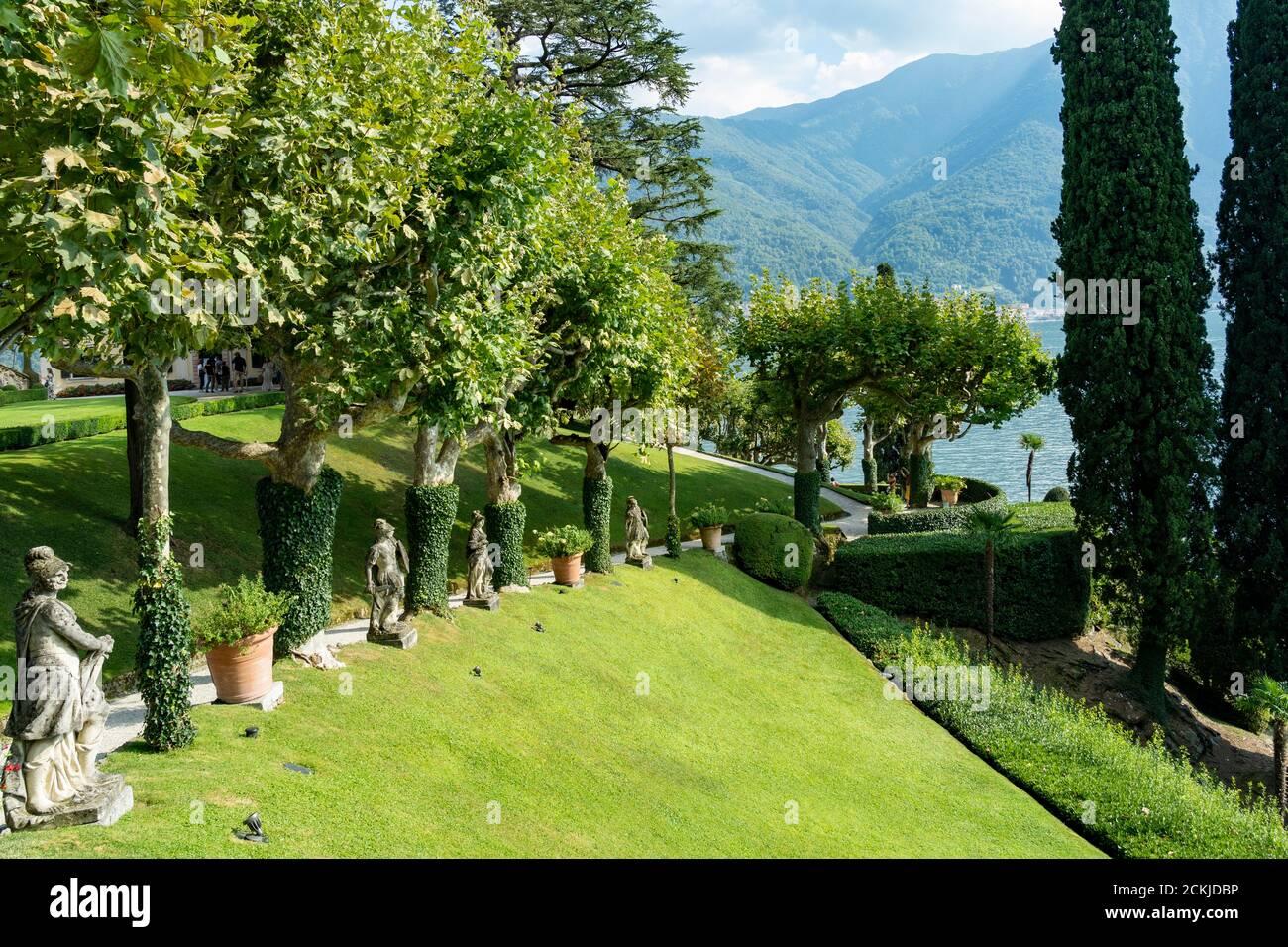 Italie. Lombardie. Lac de Côme. Autour du village de Leno. La villa Balbianello sur la péninsule de Lavedo. Les jardins Banque D'Images